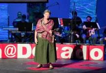 Liderazgo: Volando con la ala lastimada | Nancy Madden | TEDxYouth@Dorado